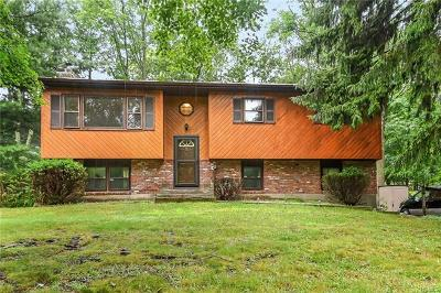 Monroe Single Family Home For Sale: 74 Heaton Road