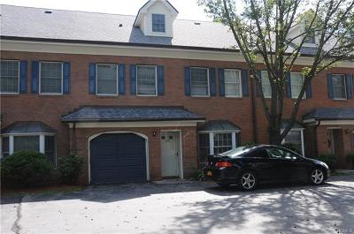 Newburgh Condo/Townhouse For Sale: 40 Westbrook Road