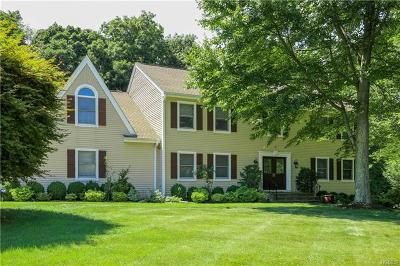 White Plains Single Family Home For Sale: 44 Westchester View Lane