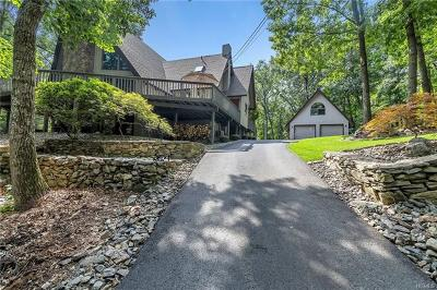 Fishkill Single Family Home For Sale: 243 Smithtown Road