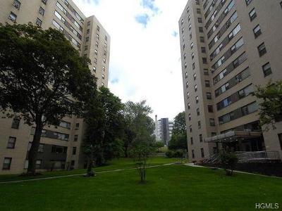 Co-Operative For Sale: 5 Fordham Hill Oval #11E
