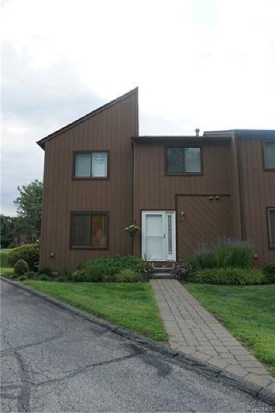 Cortlandt Manor Condo/Townhouse For Sale: 84 Wild Birch Farm Road #84