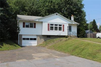Newburgh Single Family Home For Sale: 5 Pacer Drive