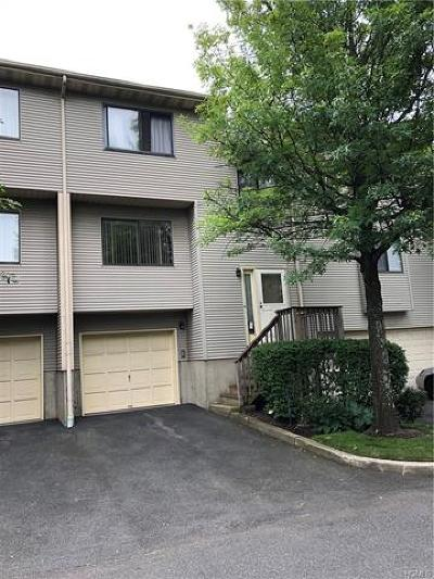 Nanuet Condo/Townhouse For Sale: 35 Vista Drive