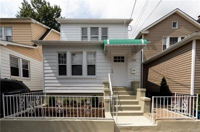 Single Family Home For Sale: 933 Revere Avenue