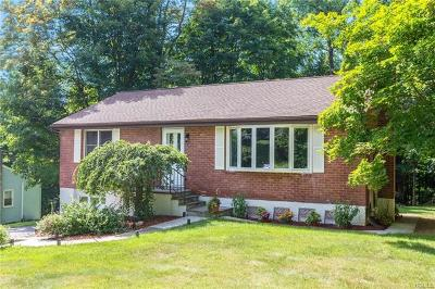 Mohegan Lake Single Family Home For Sale: 1545 Strawberry Road