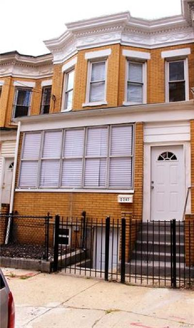 Bronx Single Family Home For Sale: 2247 Tiebout Avenue
