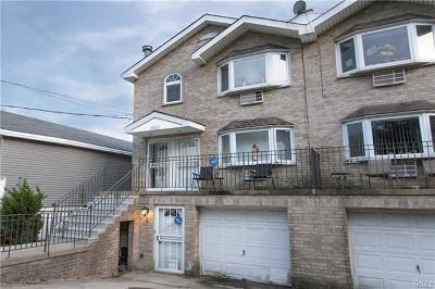 Multi Family 2-4 For Sale: 3192 Baisley Avenue