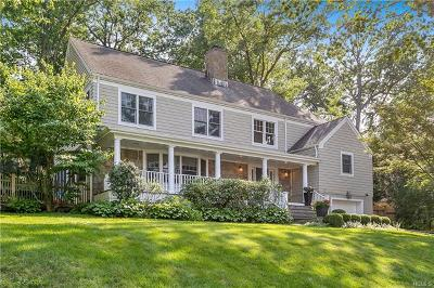 Larchmont Single Family Home For Sale: 8 Woods Way