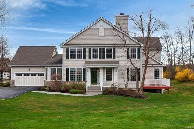 Monroe Single Family Home For Sale: 27 Turnberry Court