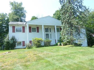 Rockland County Single Family Home For Sale: 7 Yorkshire Drive