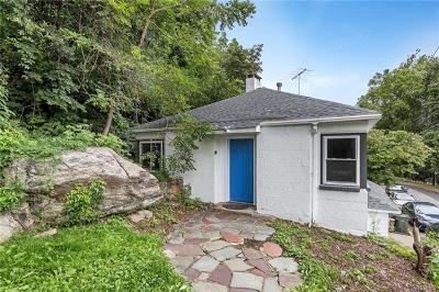 Highland Falls Single Family Home For Sale: 23 Oak Avenue