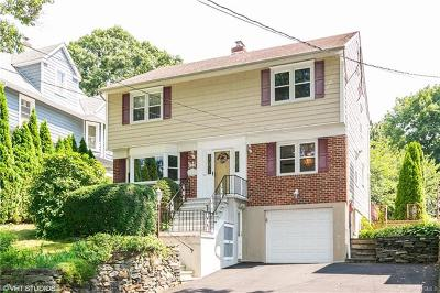 White Plains Single Family Home For Sale: 60 Park Circle