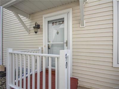 Middletown Condo/Townhouse For Sale: 90 Jordan Lane