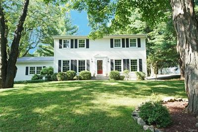 Pleasant Valley Single Family Home For Sale: 31 Arbor Hill Drive