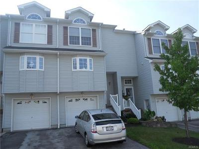 New Windsor Condo/Townhouse For Sale: 4005 Thomas Paine Way