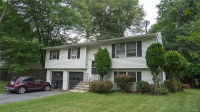 Middletown Single Family Home For Sale: 56 Brewster Drive
