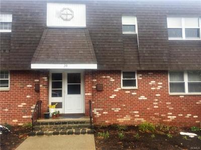 Condo/Townhouse For Sale: 20 Crescent Drive #77