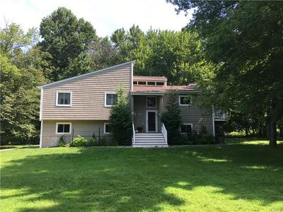 Brewster Single Family Home For Sale: 10 Merrick Court