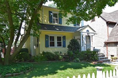 Mount Vernon Single Family Home For Sale: 370 Collins Avenue