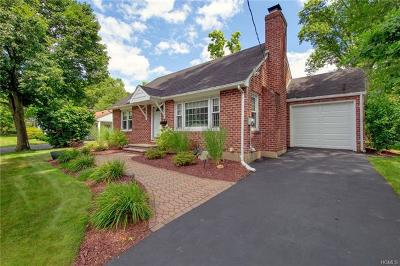 Nanuet Single Family Home For Sale: 6 Edsall Avenue