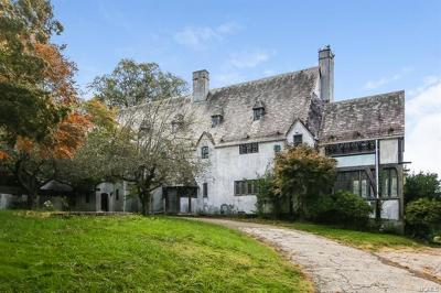 Westchester County Single Family Home For Sale: 20 Beech Lane