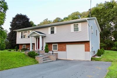 Newburgh Single Family Home For Sale: 5 Charlile Circle