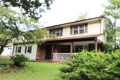 Single Family Home For Sale: 103 Morristown Drive
