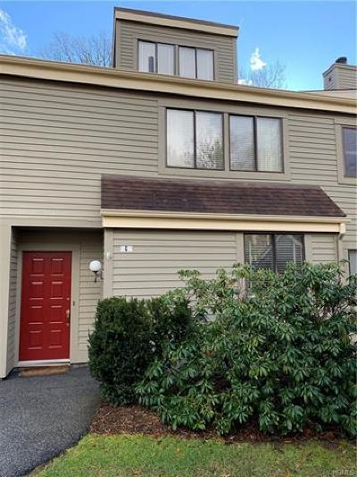 Westchester County Condo/Townhouse For Sale: 6 Oakridge Drive