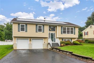 Newburgh Single Family Home For Sale: 18 Stori Road