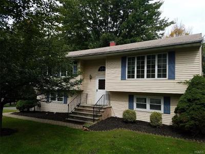 Monroe Single Family Home For Sale: 14 Cregan Place