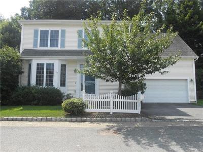 White Plains Single Family Home For Sale: 65 Eldorado Court