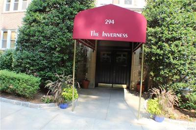 Westchester County Co-Operative For Sale: 294 Bronxville Road #4C