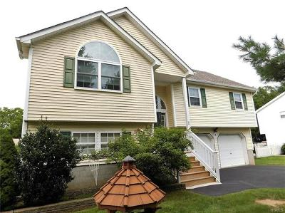 Montgomery Single Family Home For Sale: 11 Sycamore Drive