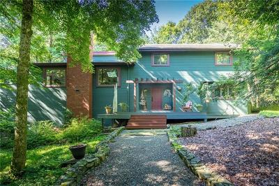 Westchester County Single Family Home For Sale: 4 Rock Hill Drive