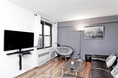 Bronx Co-Operative For Sale: 2550 Independence Avenue #8V