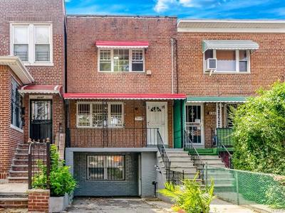 Bronx NY Single Family Home For Sale: $469,000