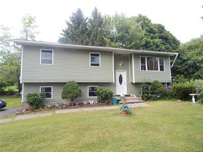 Middletown Single Family Home For Sale: 130 Whipple Road