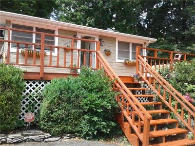New Windsor Single Family Home For Sale: 138 Shore Drive