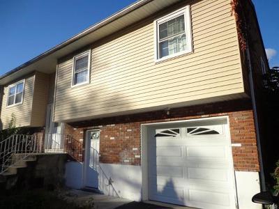 Single Family Home For Sale: 17 Greene Road