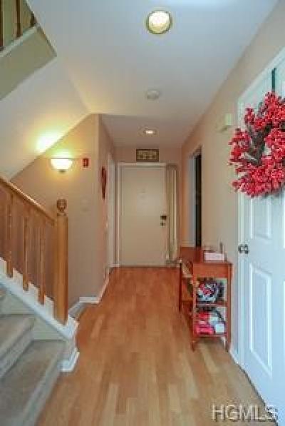 Pomona Condo/Townhouse For Sale: 404 Country Club Lane