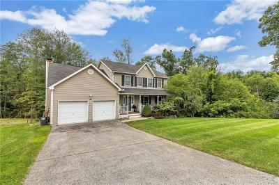 New Windsor Single Family Home For Sale: 46 Red Maple Way