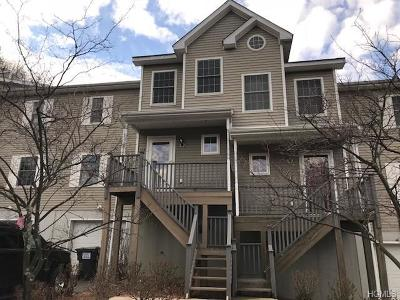 Ellenville Single Family Home For Sale: 105 Woodland Way South