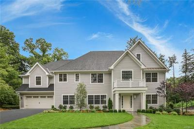 New Rochelle Single Family Home For Sale: 48 Winchcombe Way