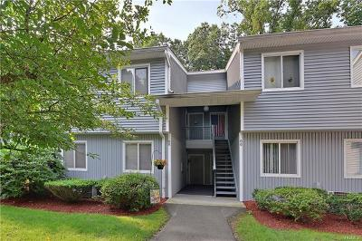 Yorktown Heights Condo/Townhouse For Sale: 165 Carriage Court #B