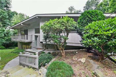 Mount Kisco Single Family Home For Sale: 114 Beverly Road