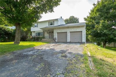 New Windsor Single Family Home For Sale: 33 Keats Drive