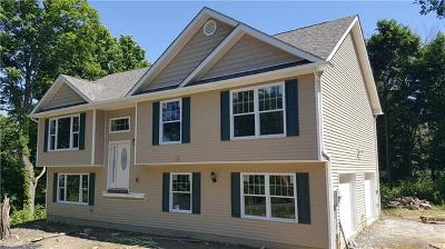 Newburgh Single Family Home For Sale: 2 Sycamore Drive