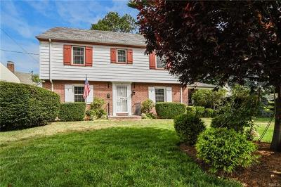 New Rochelle Single Family Home For Sale: 80 Circuit Road