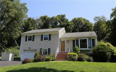 Mohegan Lake Single Family Home For Sale: 3830 Hudsonview Street